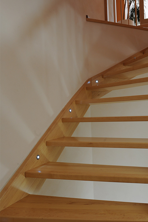 Beleuchtung Treppe tischlerei rüsing treppen i holz metall beleuchtung
